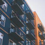 facade-batiment-orange